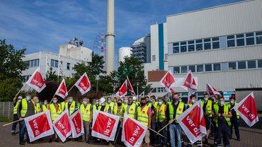 Gewerkschaftsaktive aus Farge kämpfen für einen Rahmentarifvertrag zum Kohleausstieg bei ONYX Power (August 2020)